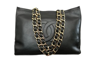 Chanel Double Flap Caviar Maxi Boy Tote in Black