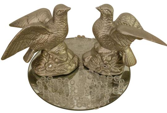 Preload https://img-static.tradesy.com/item/20526386/champagne-gold-birds-cake-topper-or-many-uses-reception-decoration-0-2-540-540.jpg