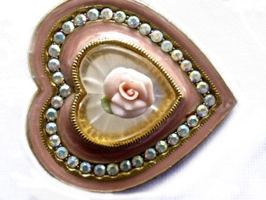 Other ENAMEL HEART BROOCH W/FAUX CAMPHOR GLASS-CERAMIC ROSE-AB CRYSTALS Image 4