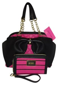Betsey Johnson Quilted Diamonds Large Black Bow Wallet Satchel in fuchsia