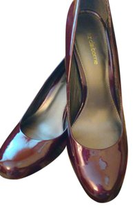 Liz Claiborne Wine Pumps