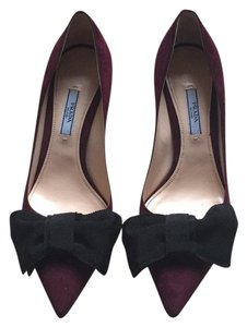 Prada Granato Pumps
