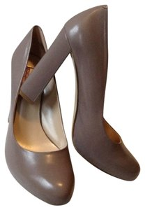 Nine West Taupe Classy Business Grey Pumps