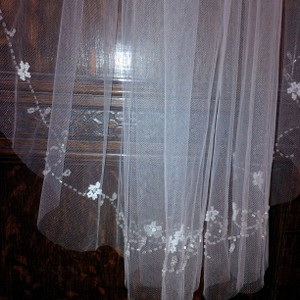 Glass And Crystal Beaded Veil ~ Like New ~ Great Buy!