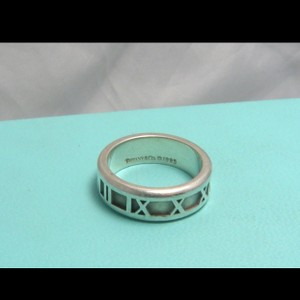 Tiffany & Co. Tiffany and co atlas ring size 8