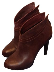 Jessica Simpson red/maroon Boots