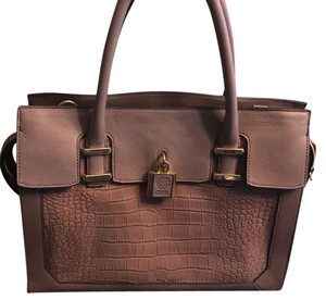 Vince Camuto Satchel in taupe/tan