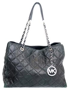 Michael Kors Mk Susannah Quilted Leather Tote in Black
