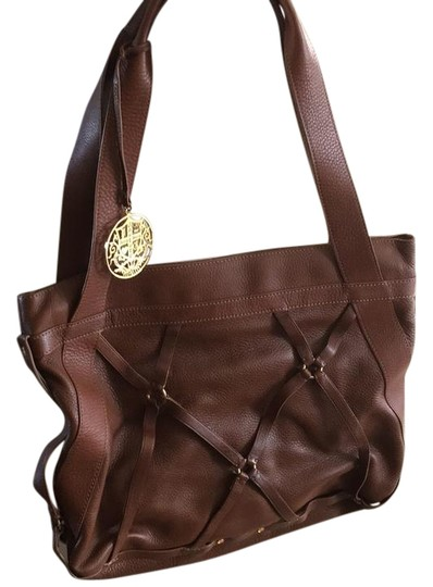 Preload https://img-static.tradesy.com/item/20529693/juicy-couture-brown-leather-tote-0-1-540-540.jpg