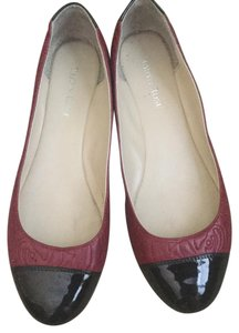 Taryn Rose Red/Black Flats