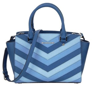 Michael Kors Saffiano Leather Selma Jet Set Item Toe Satchel in Sky Blue navy/ Silver tone