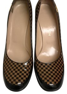 Louis Vuitton Damien Brown Tan with Gold Logo Plate Pumps