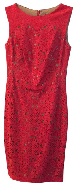 Item - Red/Nude Slim Fit Laser Cut Free Mid-length Night Out Dress Size 2 (XS)
