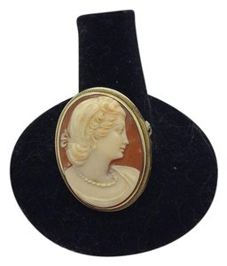 Other 14k yellow gold carved cameo pendant brooch