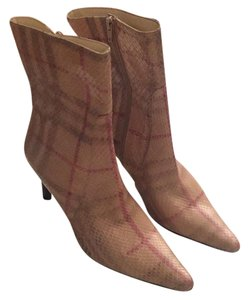 Burberry Beige/Tan Burberry colors Boots