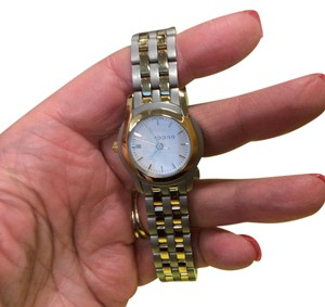 Gucci 5500L two-tone women's watch. Gucci 5500L Women's Watch Two Tone