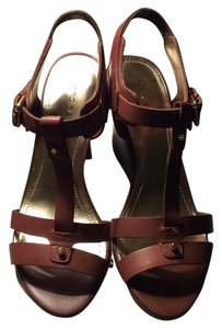 Marc Fisher Medium brown Wedges