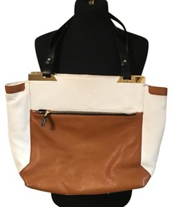 Vince Camuto Tote in brown and white