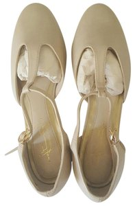 Hush Puppies Cream color Flats