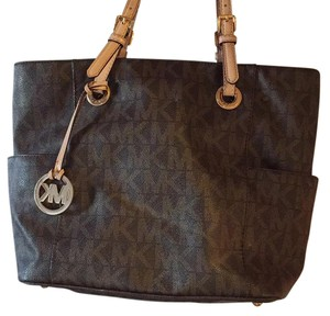 Michael Kors Tote in MK logo Brown