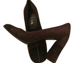 Prada Brown/Black Pumps