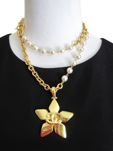 Chanel AUTHENTIC VINTAGE CHANEL NECKLACE FLOWER PENDANT