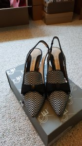 Carolina Espinosa Black and white Pumps