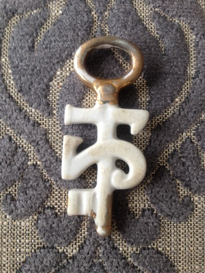 Other Vintage European 21 key charm