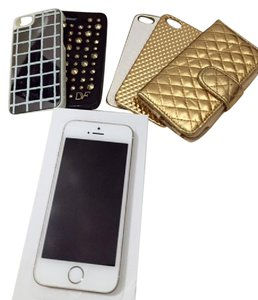 Apple Apple iPhone 5s and phone cases.