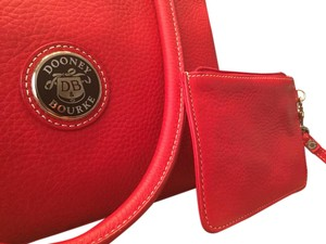 Dooney & Bourke Satchel in Rich red
