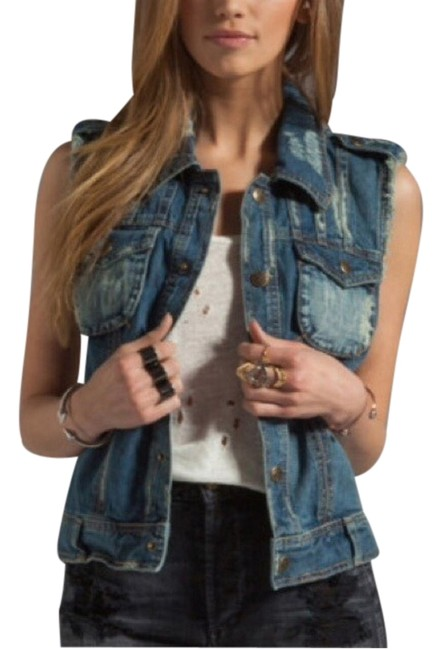 Preload https://item5.tradesy.com/images/free-people-vest-size-2-xs-2053649-0-0.jpg?width=400&height=650