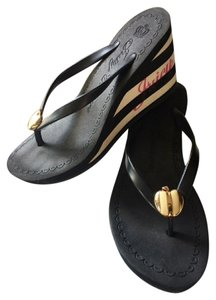 Juicy Couture Beach Sandals Thongs Black / White Wedges