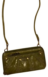 Fossil Wristlet in Green