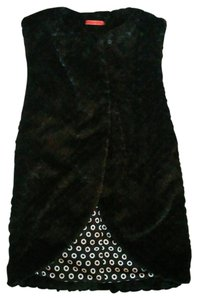 Alice + Olivia Faux Fur Super Soft Sleeveless Snap Closure At Neck Vest
