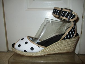 White Mountain Wedge Espadrille Polka Dot black, white & tan Sandals