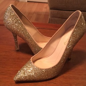 Boutique 9 gold Pumps