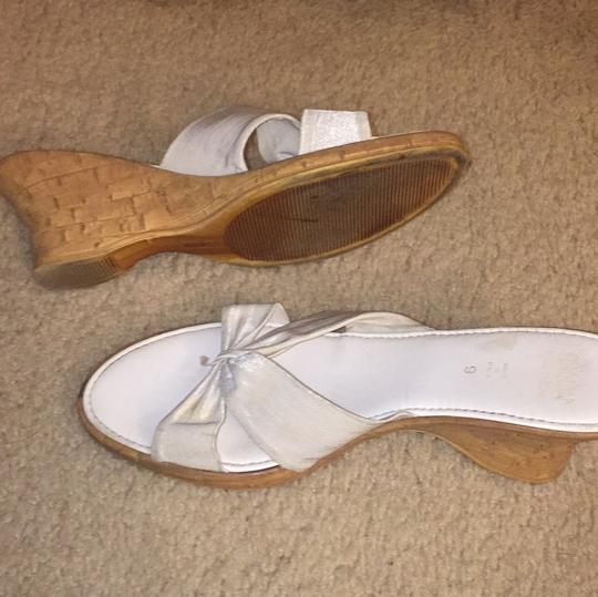 Italian Shoemakers white, cork wedge Pumps Image 3