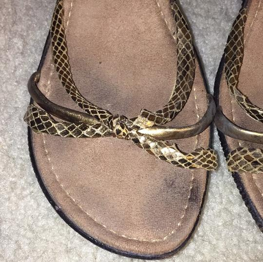 Italian Shoemakers brown/gold Wedges Image 2