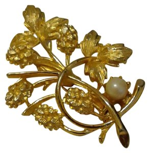 Other Floral Pearl Brooch