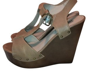 Steve Madden multi-tone brown, bronze accents Wedges