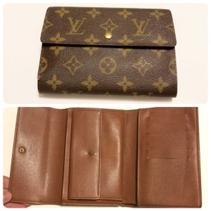 Louis Vuitton tri-fold