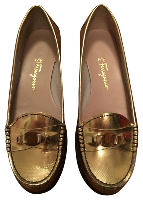 Item - Gold Leather Loafers Flats Size US 7.5