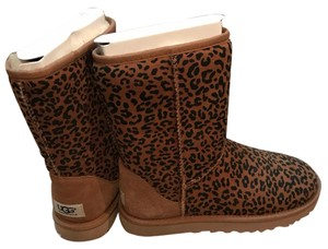 UGG Australia Chesnut and black Boots