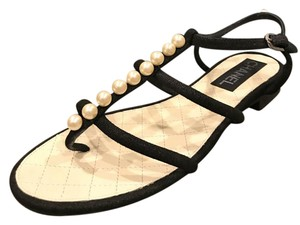 Chanel Thong Pearl Black Sandals