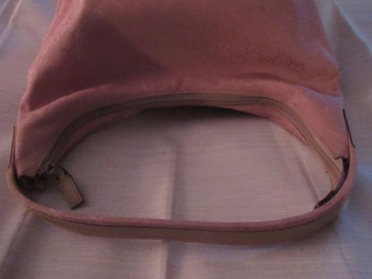 Gucci Lots Pockets Excellent Condition Perfect For Everyday Hobo/Shoulder Great Pop Color Hobo Bag Image 10