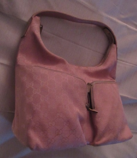Gucci Lots Pockets Excellent Condition Perfect For Everyday Hobo/Shoulder Great Pop Color Hobo Bag Image 11