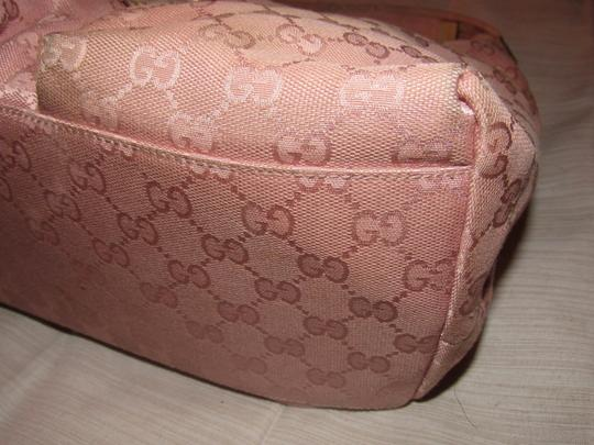 Gucci Lots Pockets Excellent Condition Perfect For Everyday Hobo/Shoulder Great Pop Color Hobo Bag Image 2