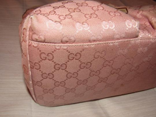 Gucci Lots Pockets Excellent Condition Perfect For Everyday Hobo/Shoulder Great Pop Color Hobo Bag Image 3