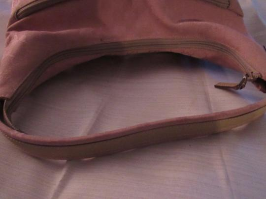 Gucci Lots Pockets Excellent Condition Perfect For Everyday Hobo/Shoulder Great Pop Color Hobo Bag Image 5