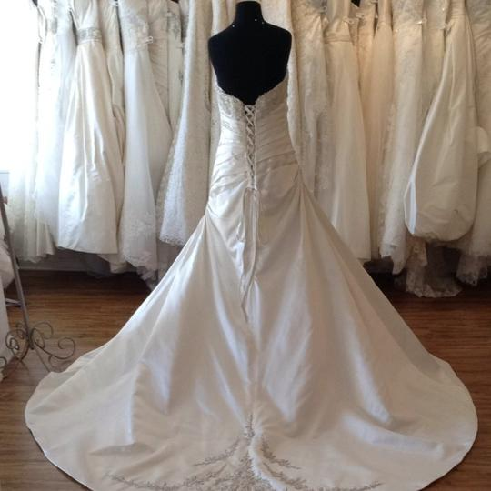 Mori Lee Ivory/Silver Satin Wedding Dress Size 14 (L) Image 3